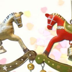 クロッシュノエル 木馬オーナメント レッド/ゴールド
